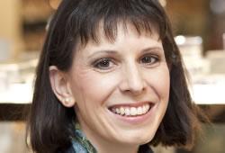 <b>Petra Erdmann-Thon</b>